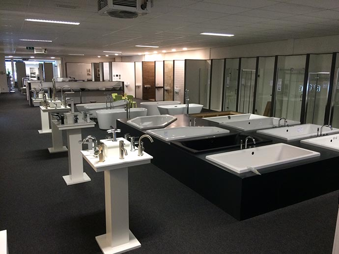 https://budget-sanitair.nl/media/flexslider/showroom-1.1.jpg